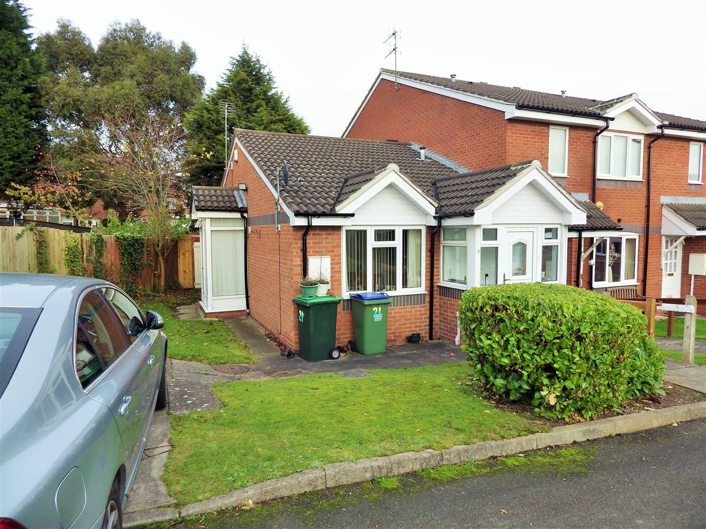 2 bed terraced-bungalow for sale, B69