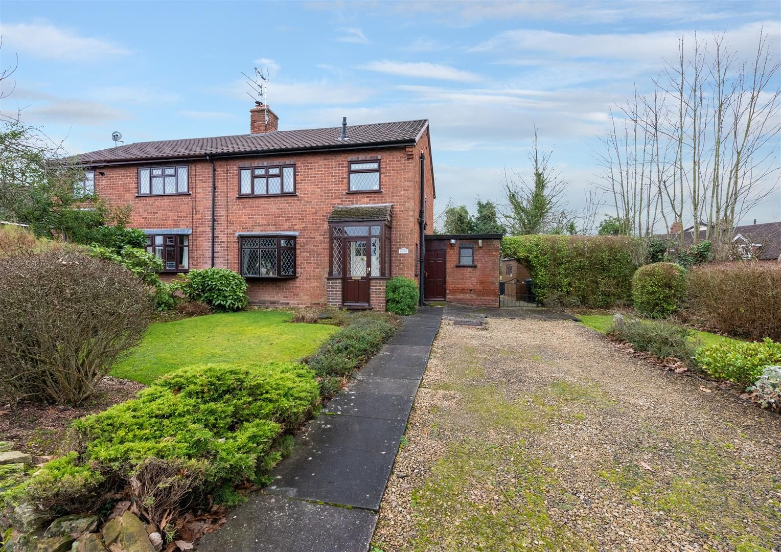 3 bed house for sale in Belbroughton 1