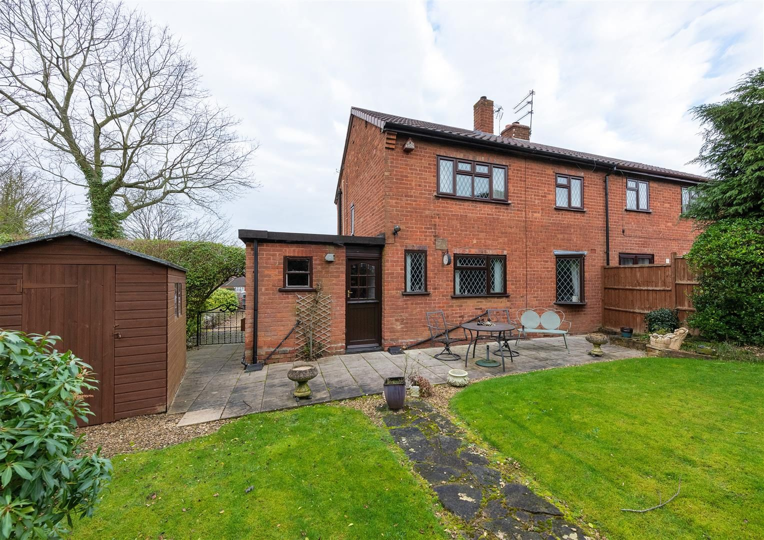 3 bed house for sale in Belbroughton 18