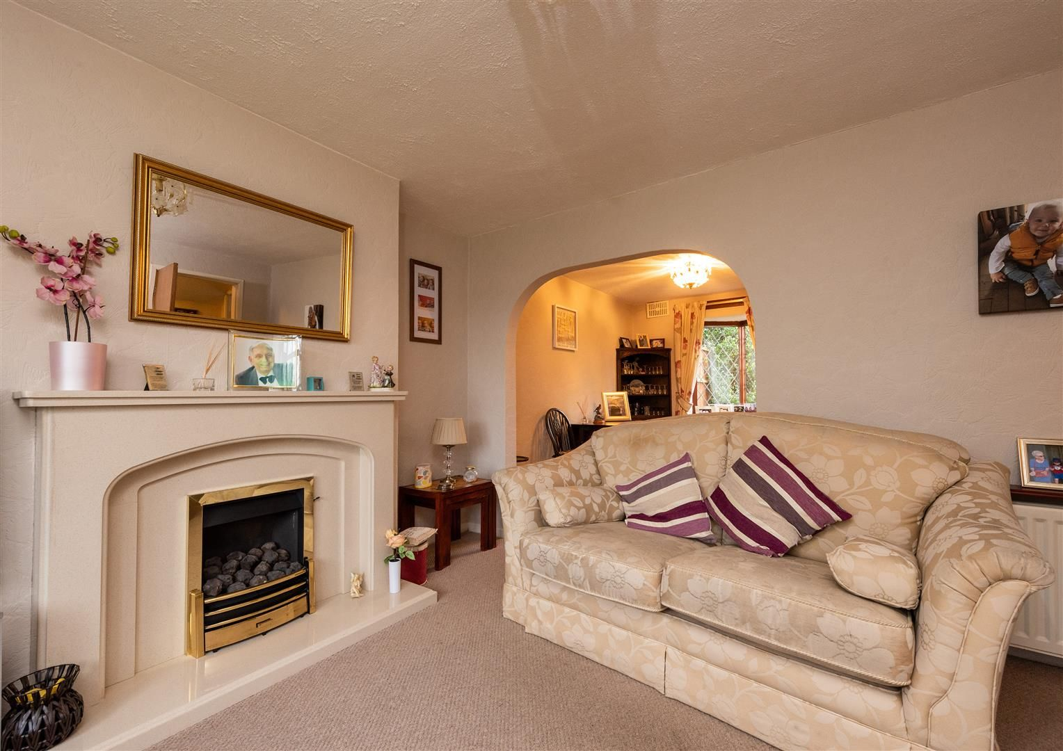 3 bed house for sale in Belbroughton  - Property Image 3