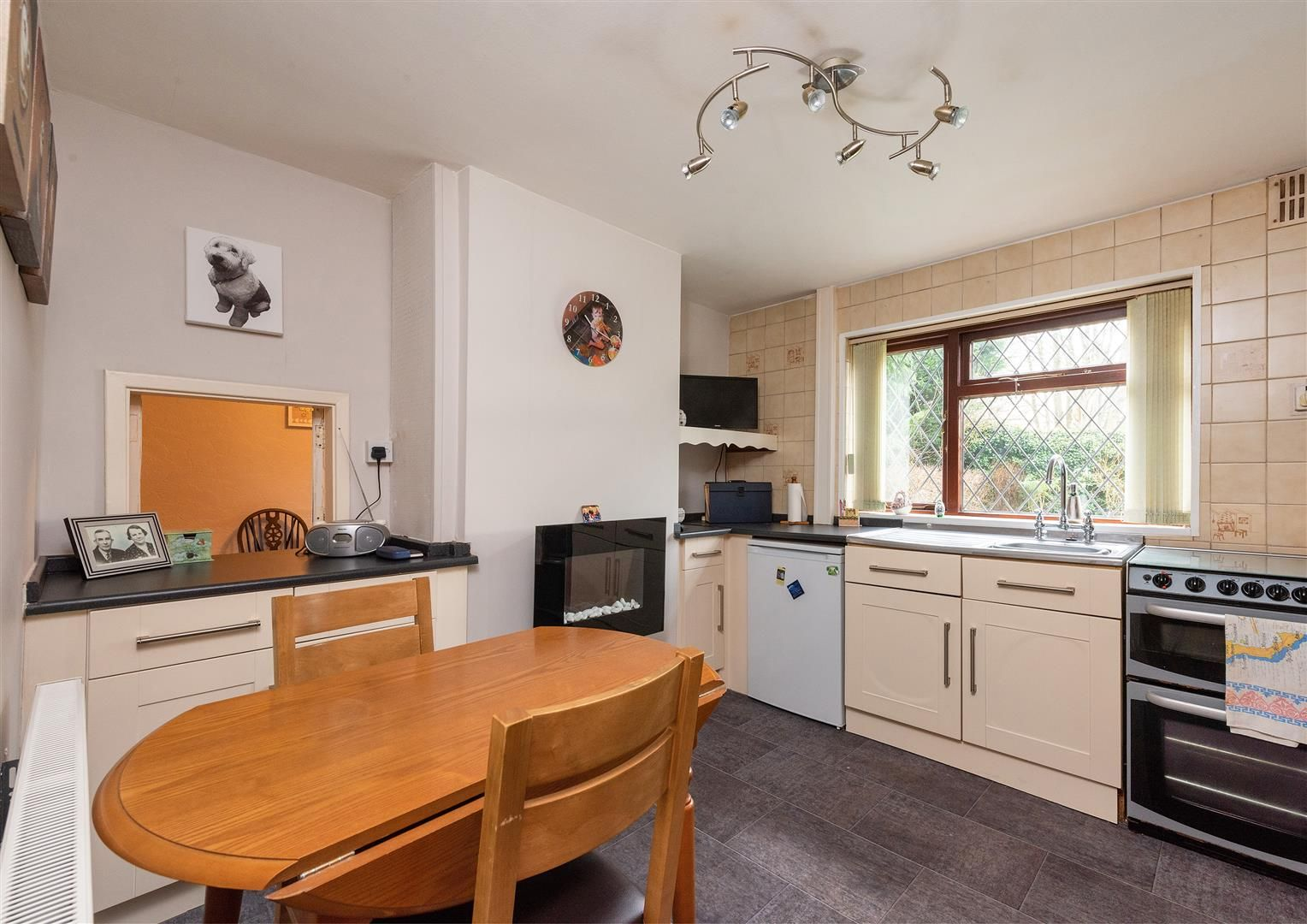 3 bed house for sale in Belbroughton 6