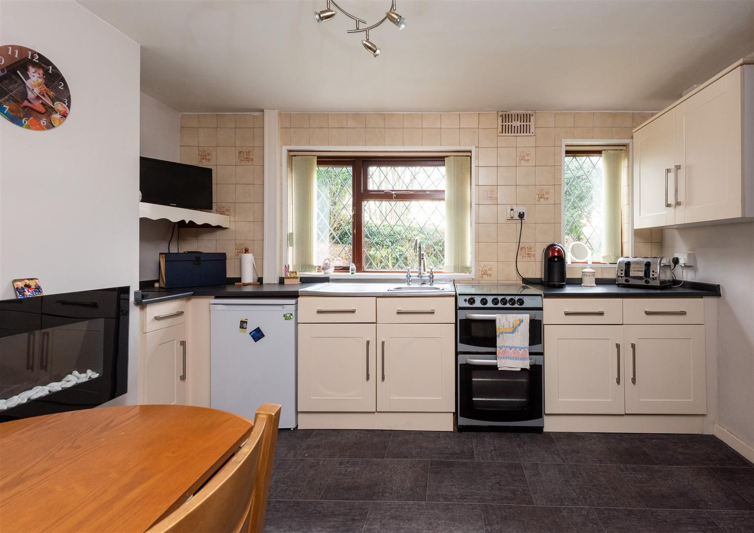 3 bed house for sale in Belbroughton 7