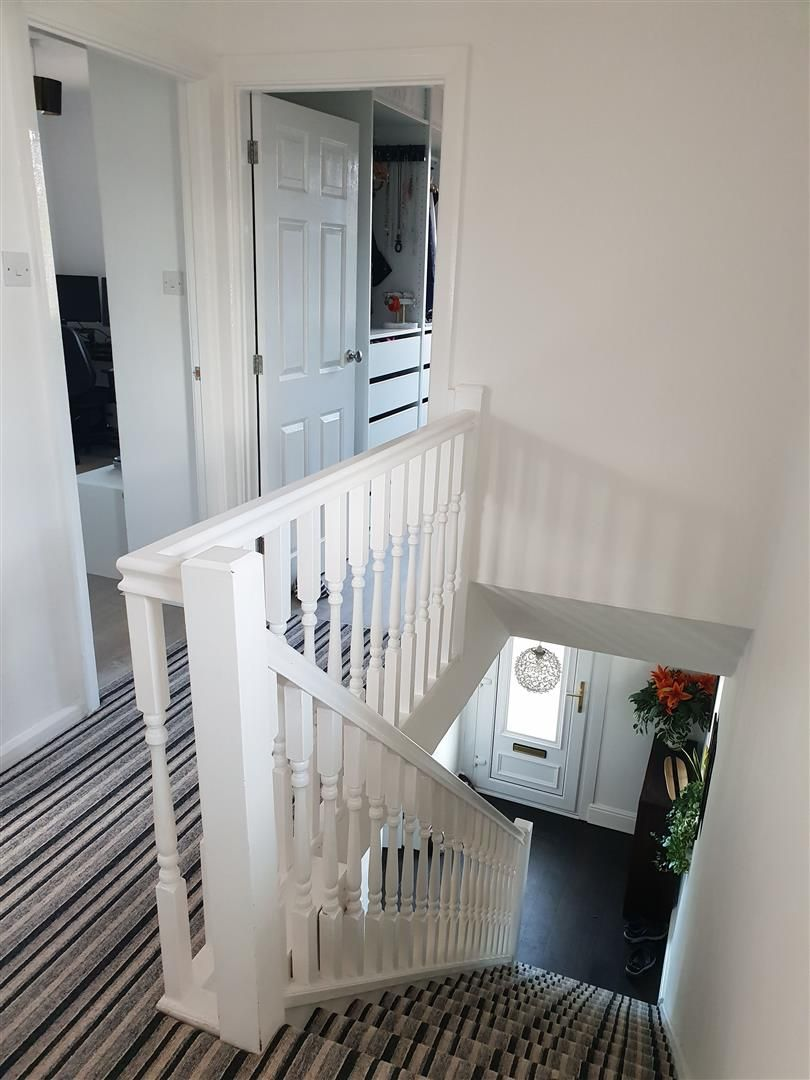 3 bed end-of-terrace for sale 9