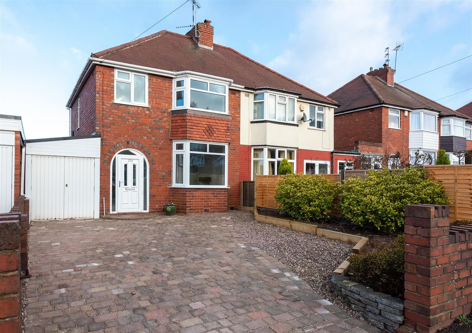 3 bed semi-detached for sale, B63