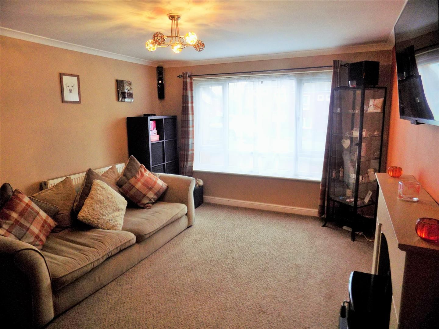3 bed terraced for sale 1