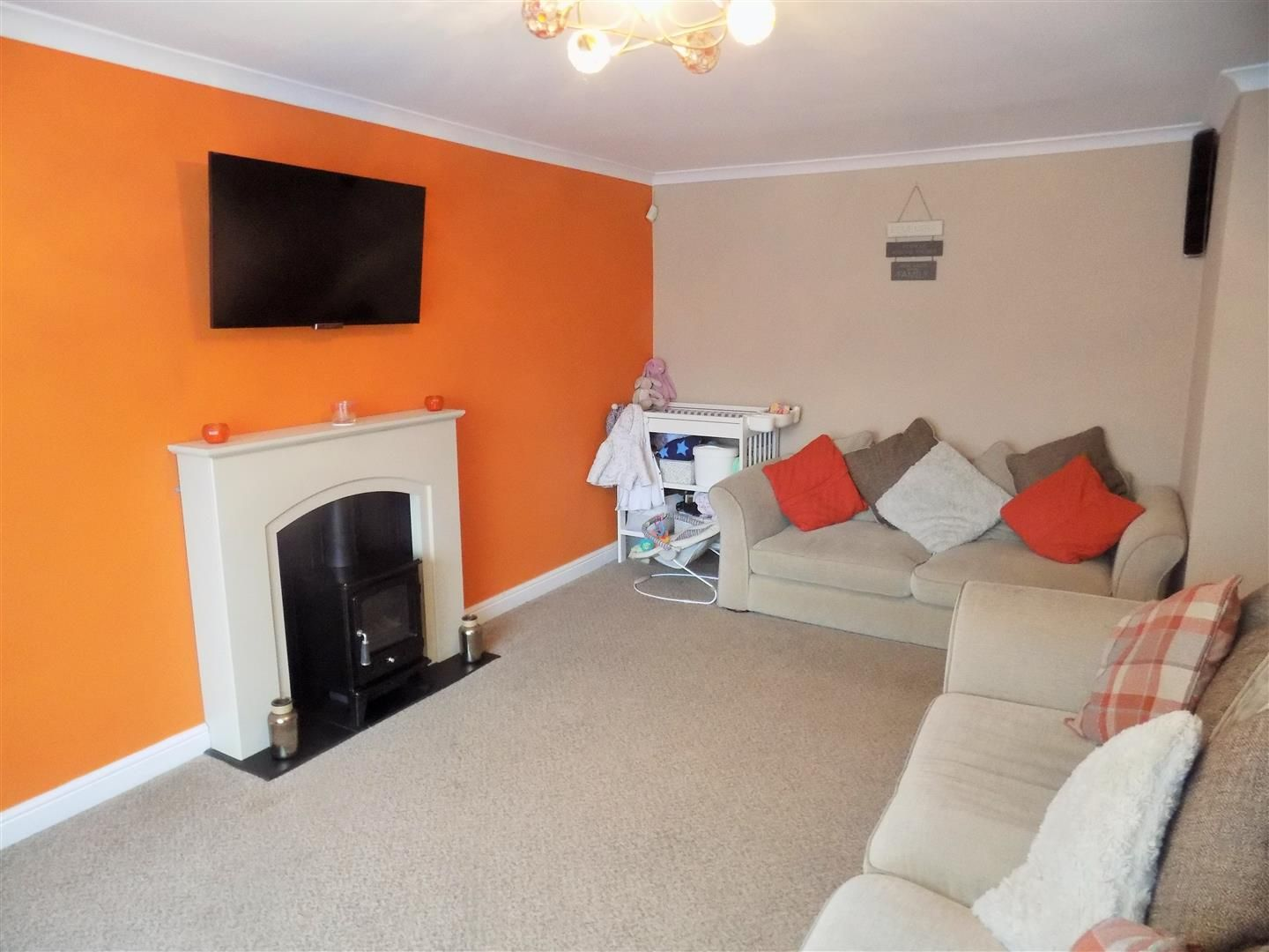 3 bed terraced for sale  - Property Image 2