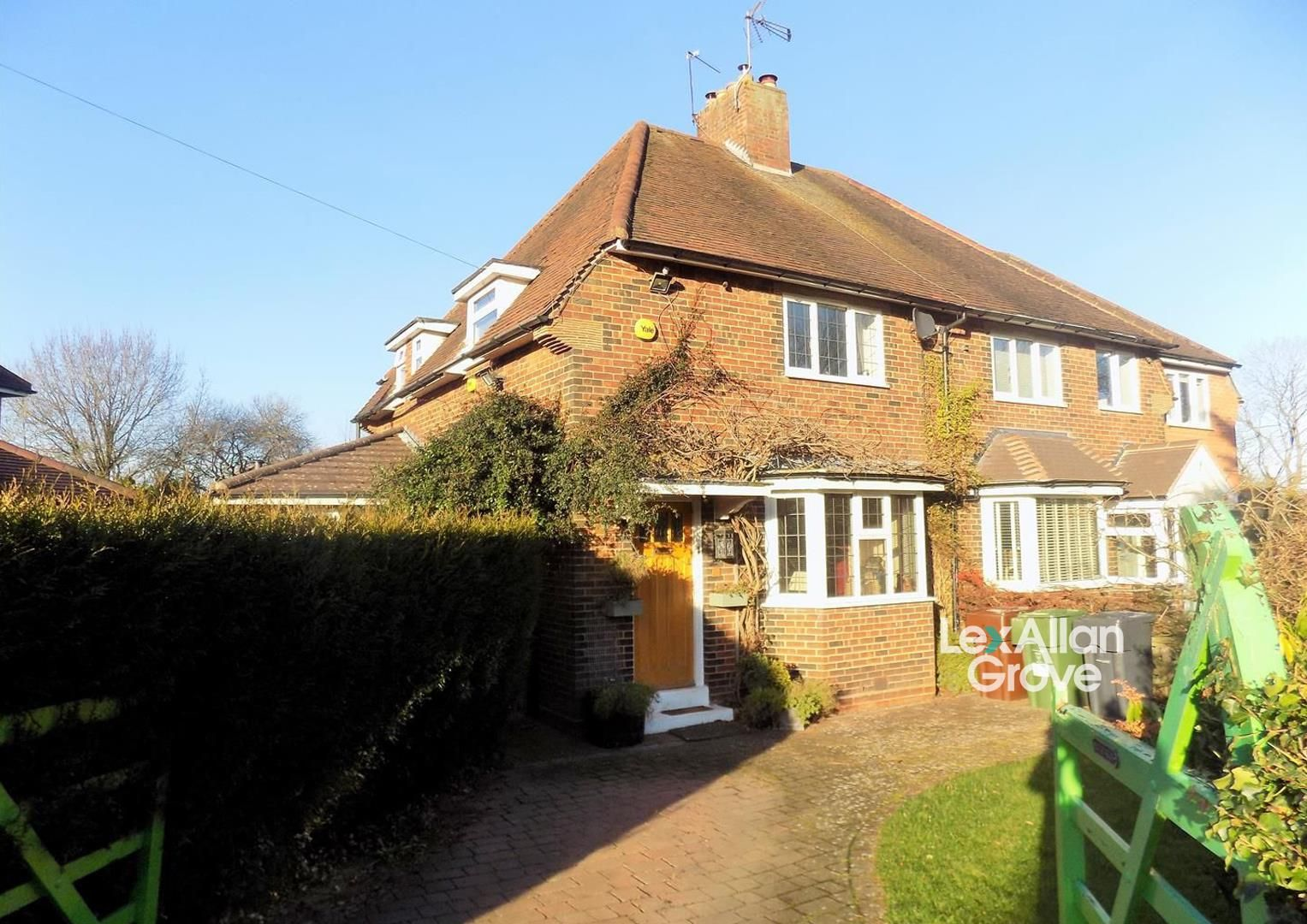3 bed semi-detached for sale in Hunnington, B62