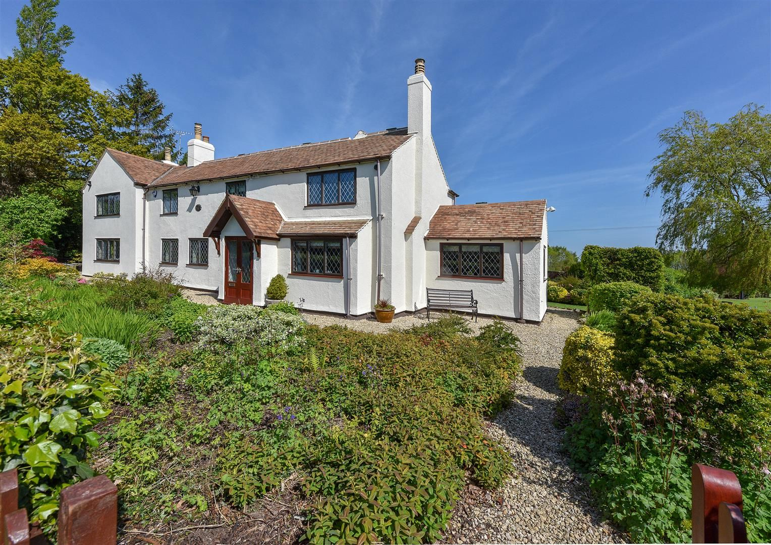 4 bed detached for sale in Romsley 2