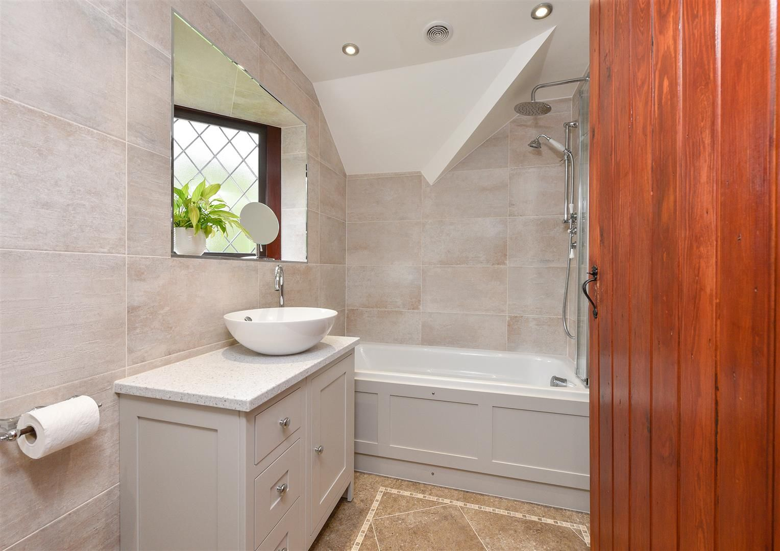 4 bed detached for sale in Romsley  - Property Image 18