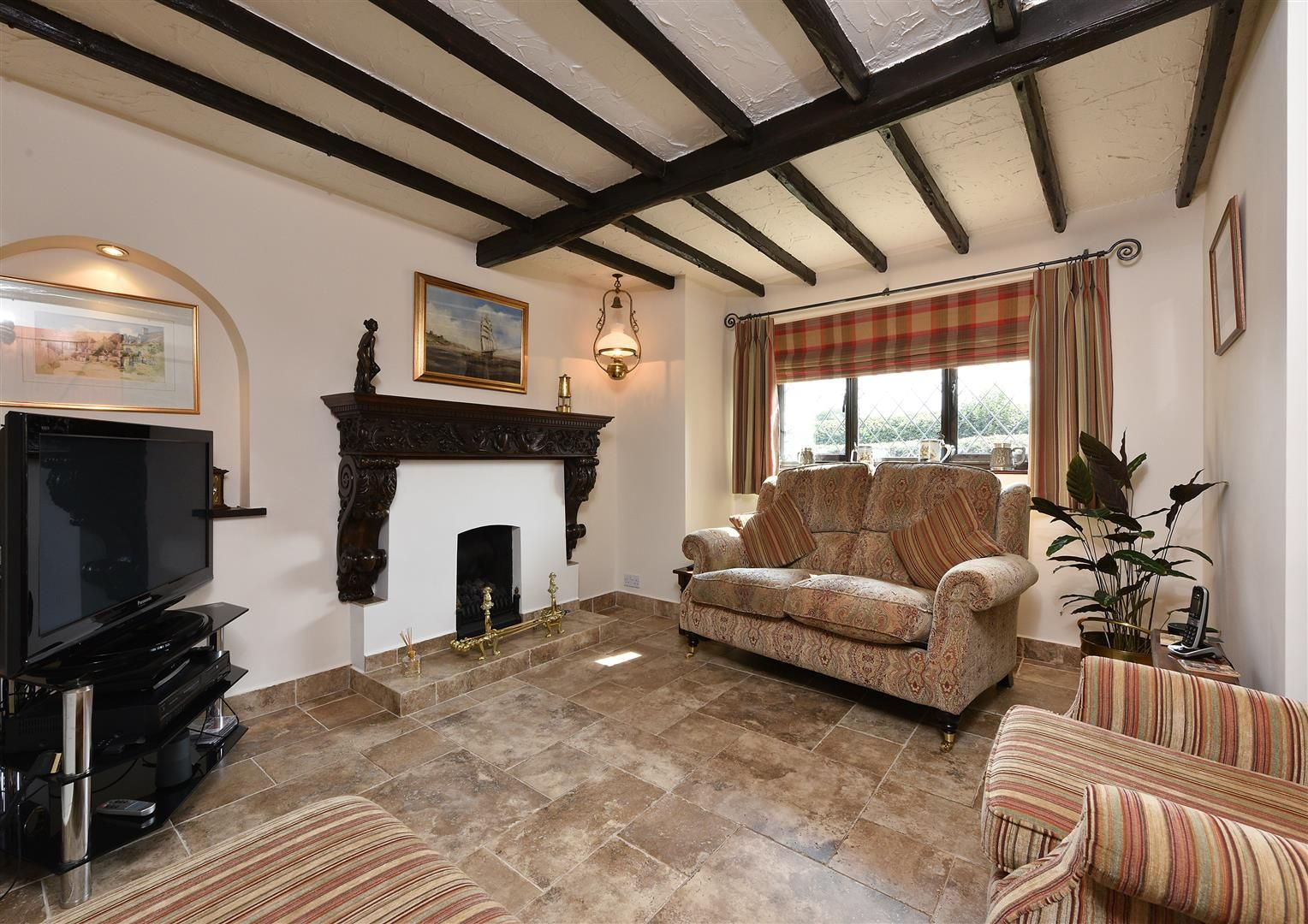 4 bed detached for sale in Romsley 10