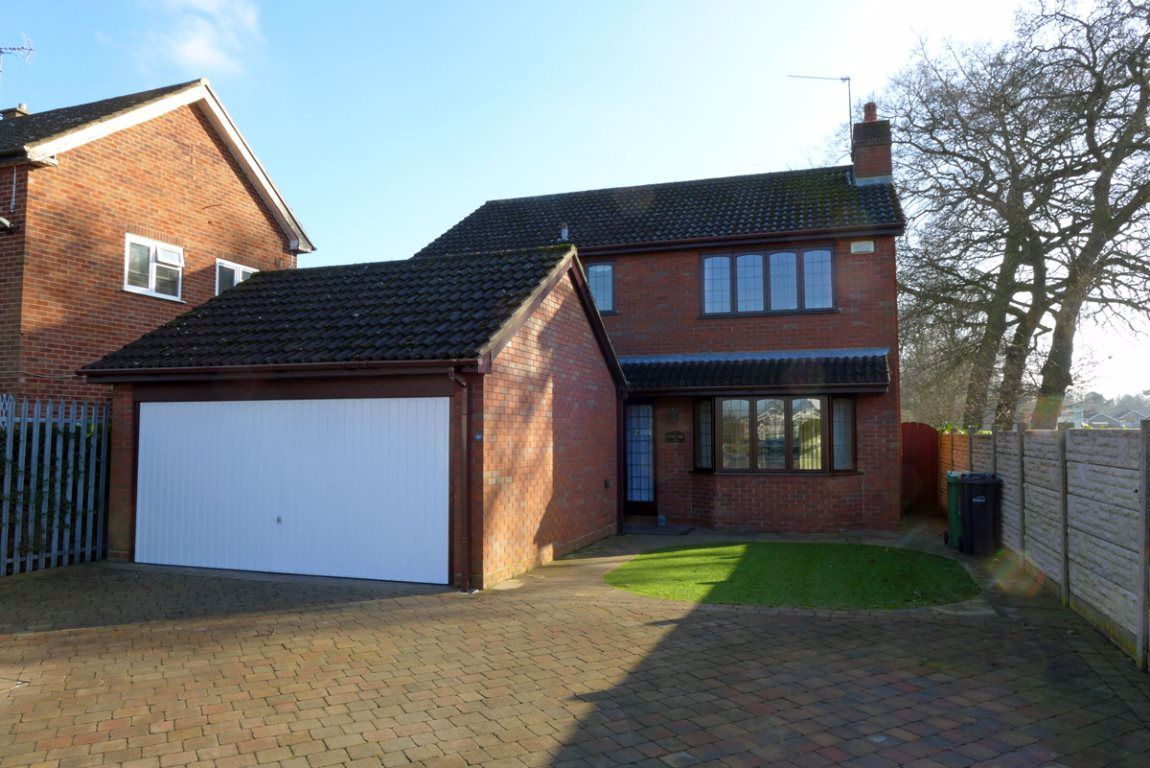 4 bed  to rent in Oldswinford, DY8