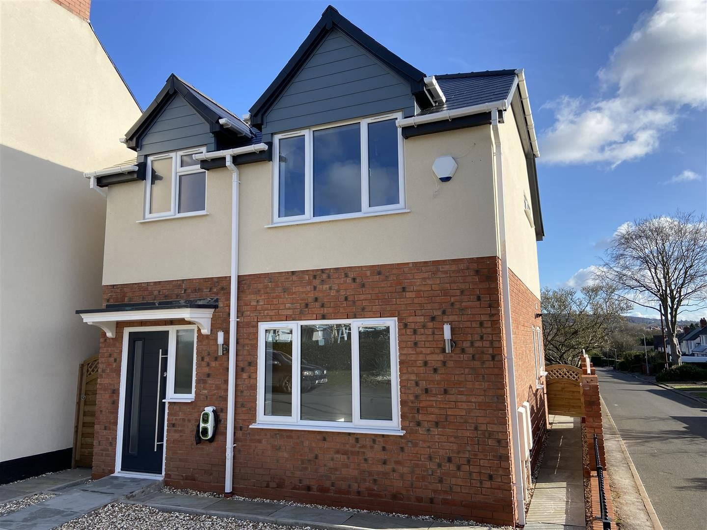 4 bed detached for sale, DY8