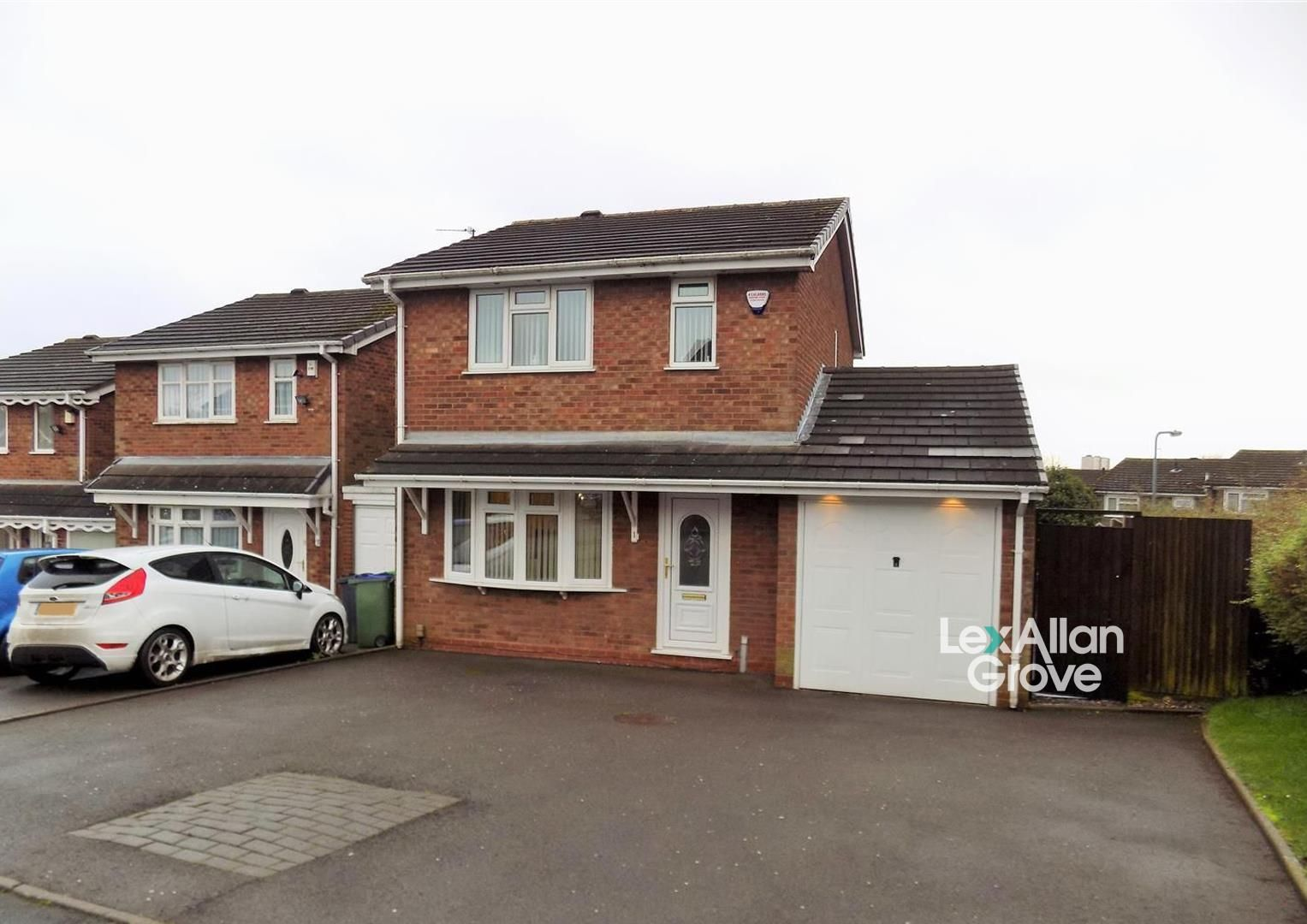3 bed detached for sale, B65