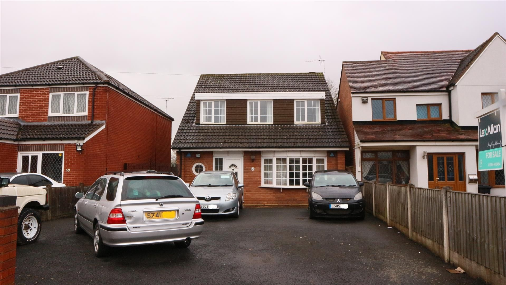 4 bed detached for sale in Wollaston, DY8
