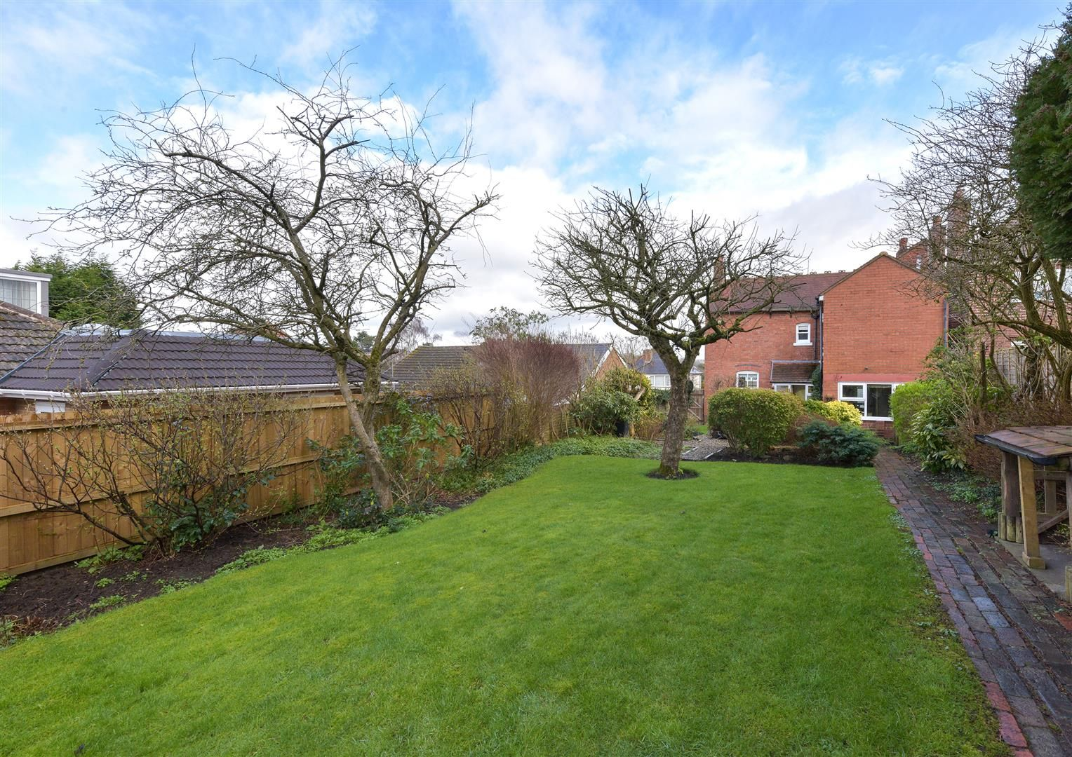 3 bed detached for sale 18