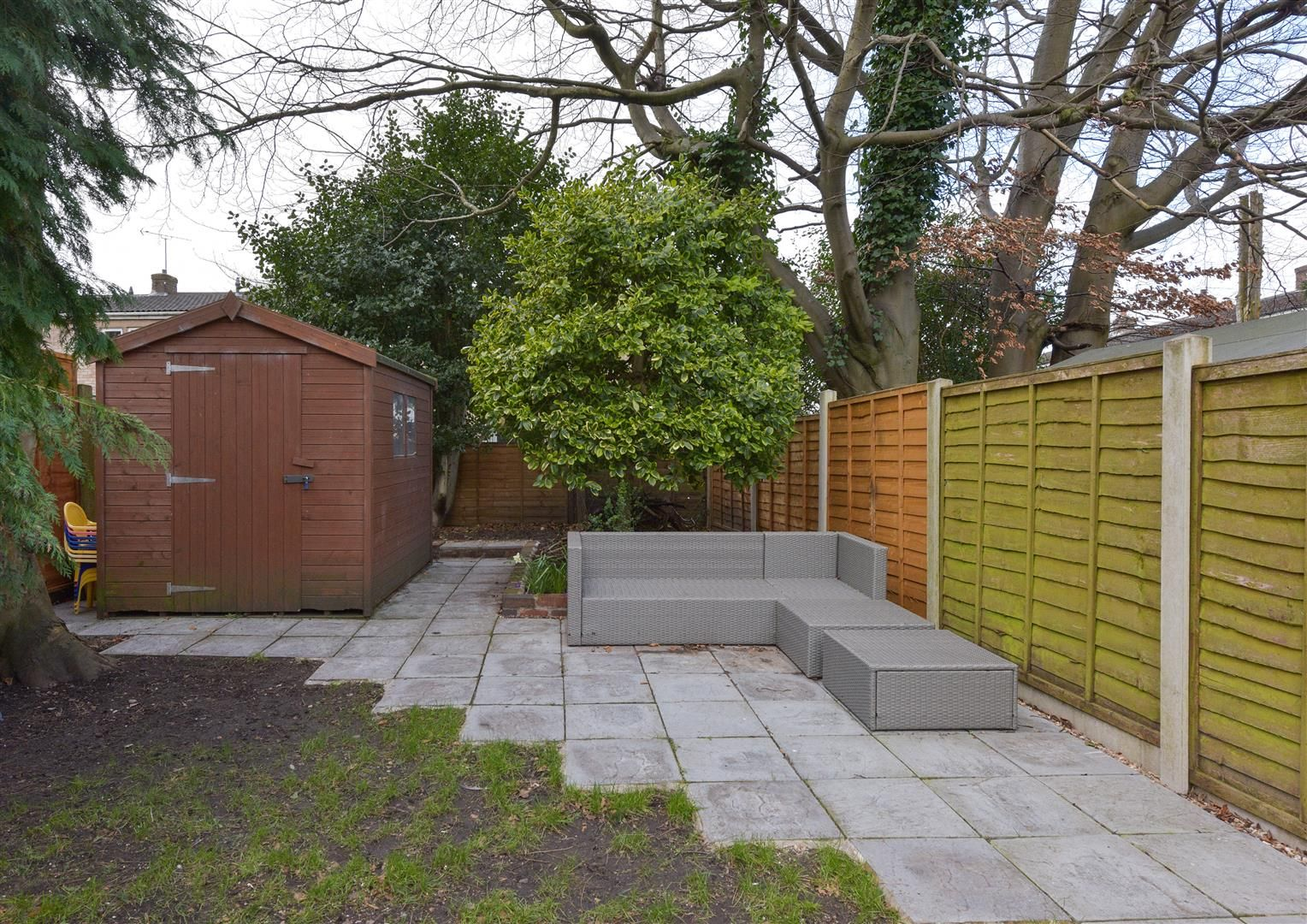 3 bed end-of-terrace for sale 18