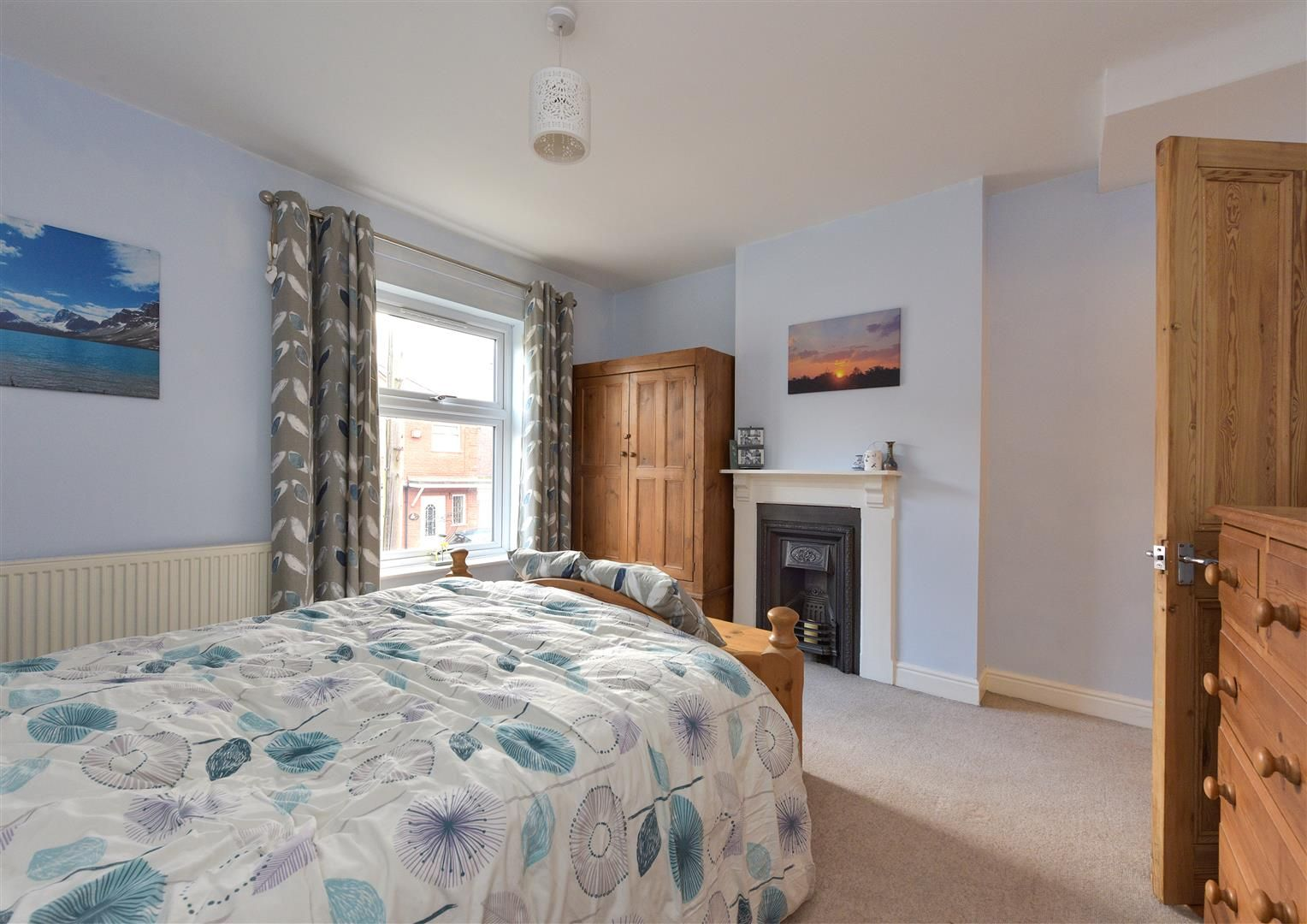 3 bed end-of-terrace for sale 10