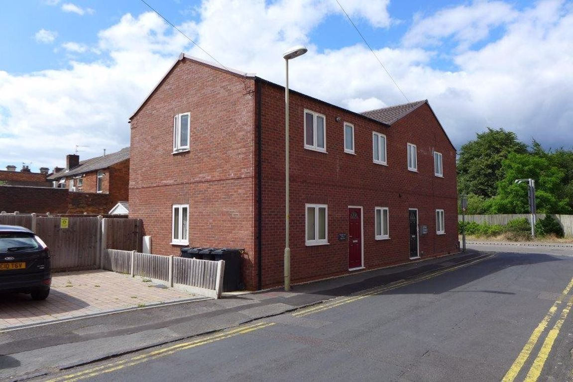 1 bed  to rent in West Street, DY8