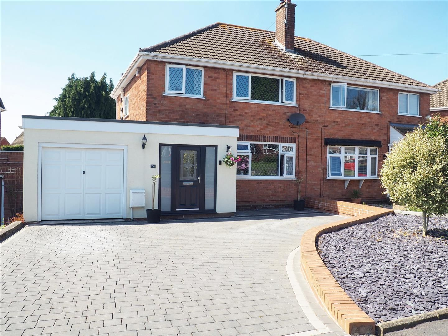 3 bed house for sale, B63