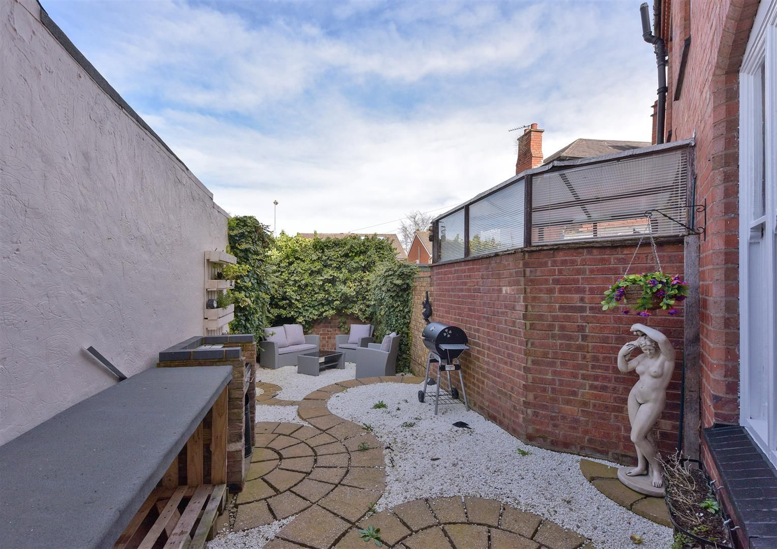 4 bed terraced for sale in Old Quarter 14