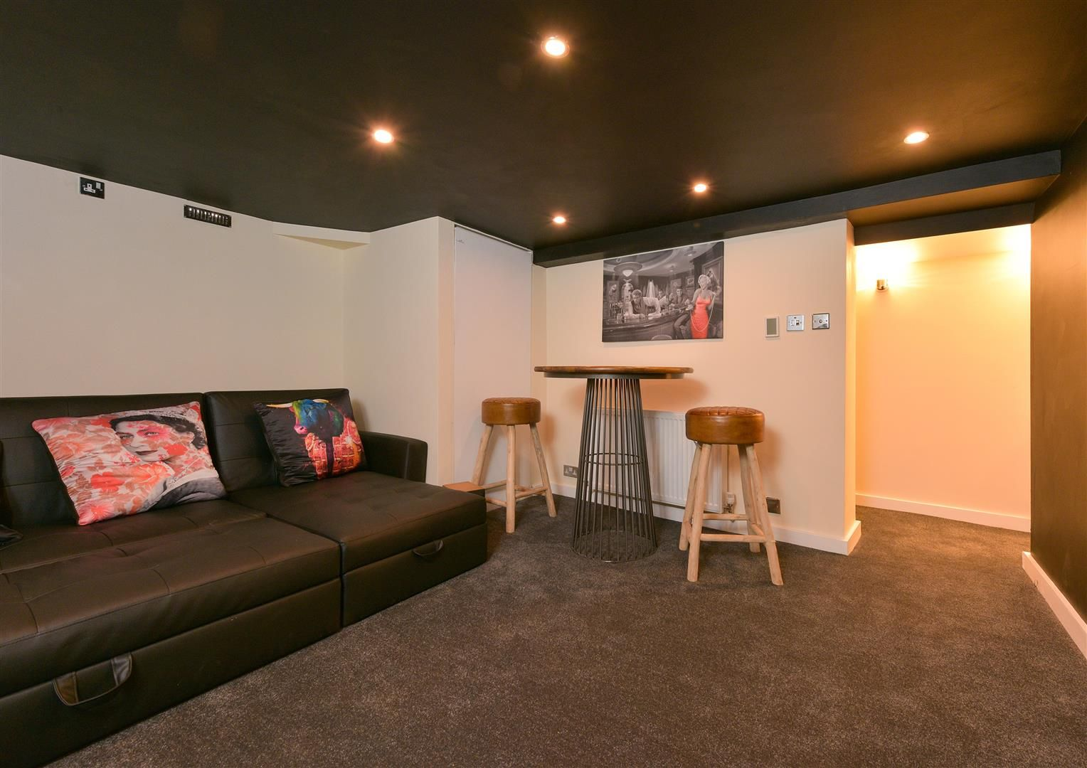 4 bed terraced for sale in Old Quarter 8