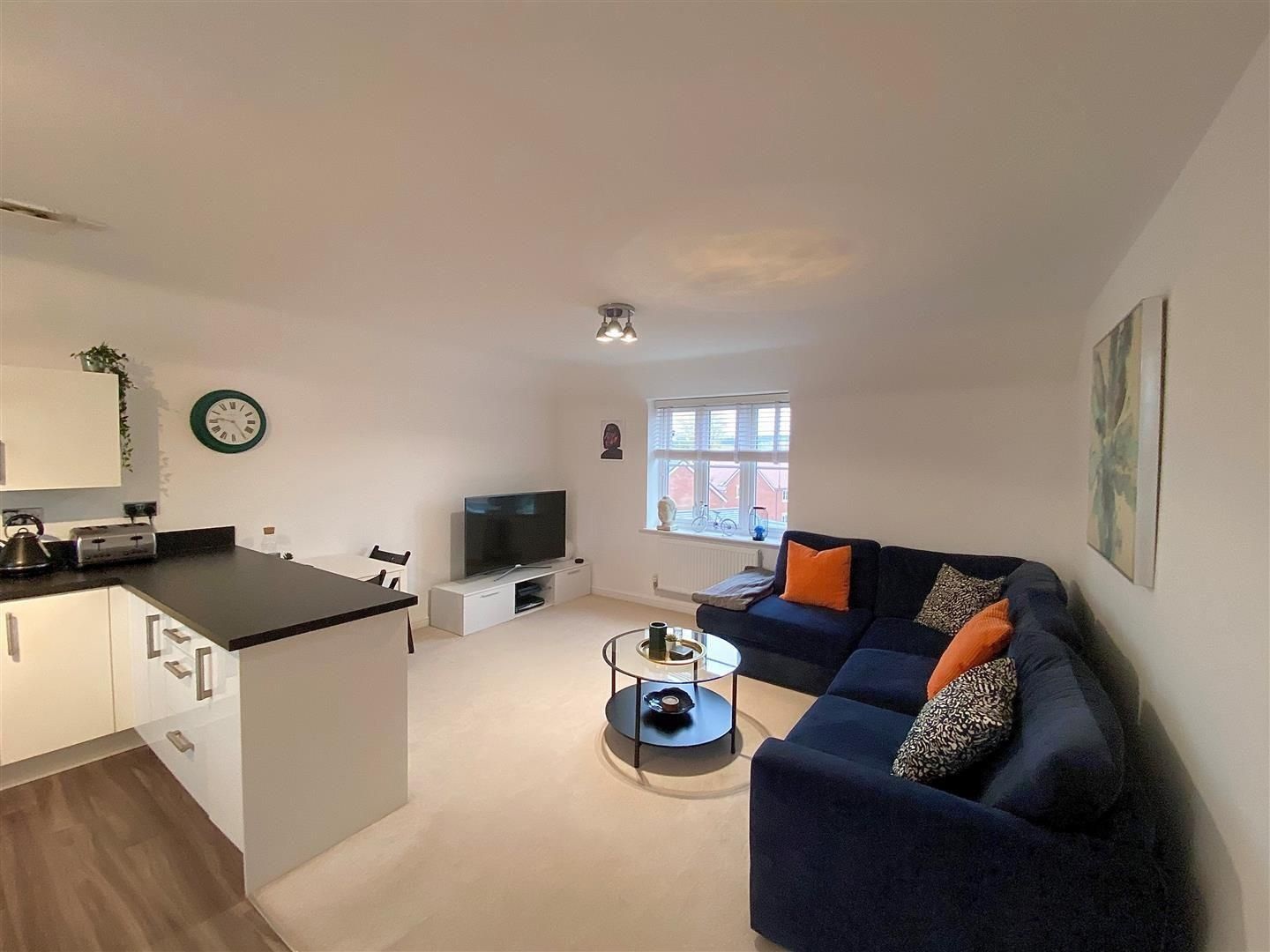 2 bed apartment for sale in Hagley 11