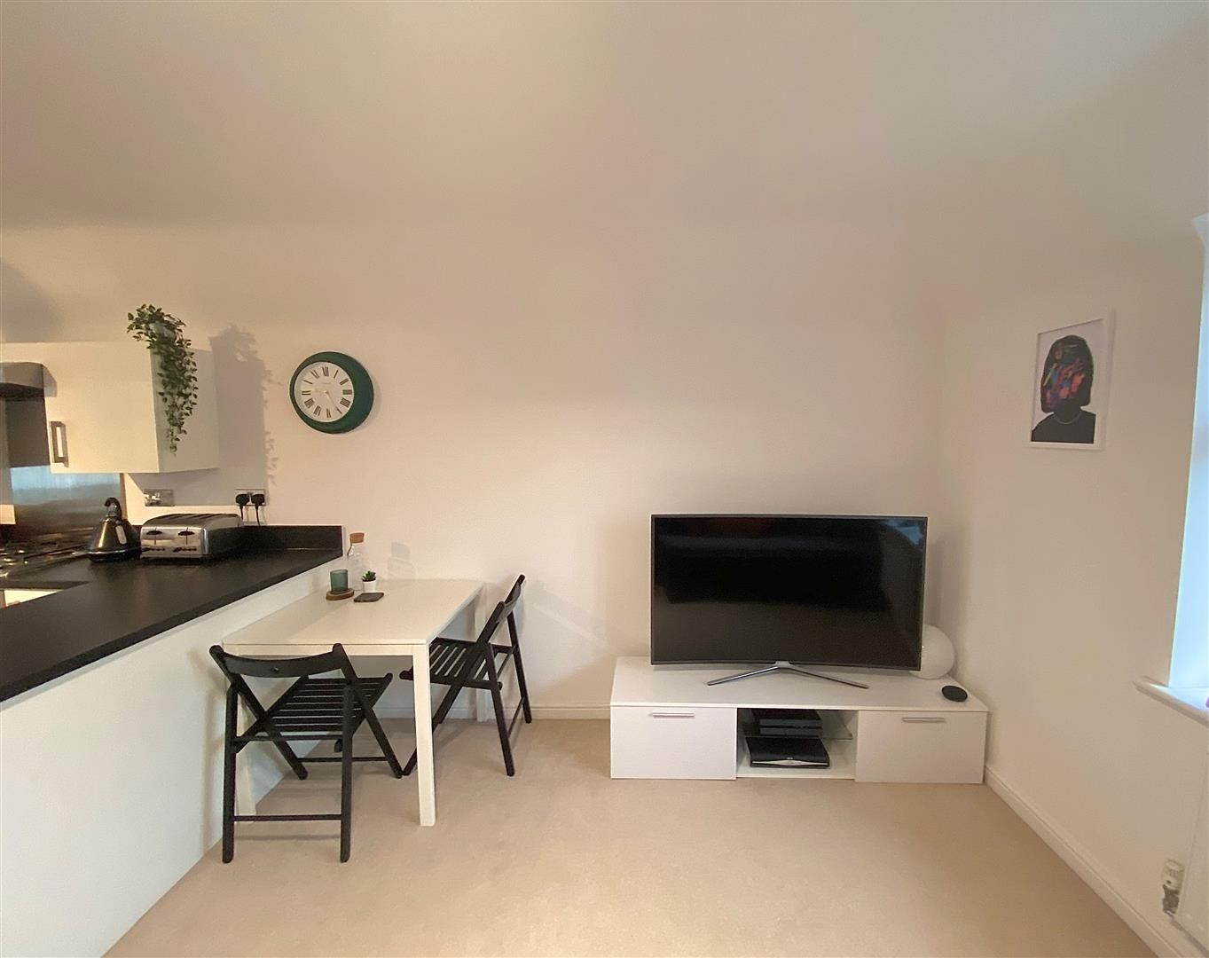 2 bed apartment for sale in Hagley 4