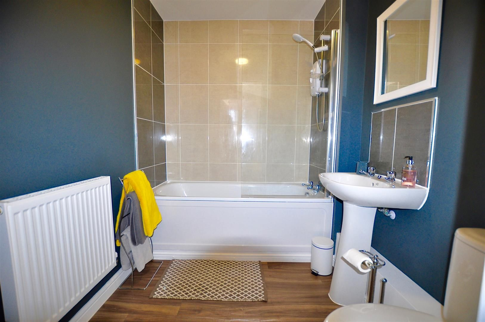 2 bed apartment for sale in Hagley 10
