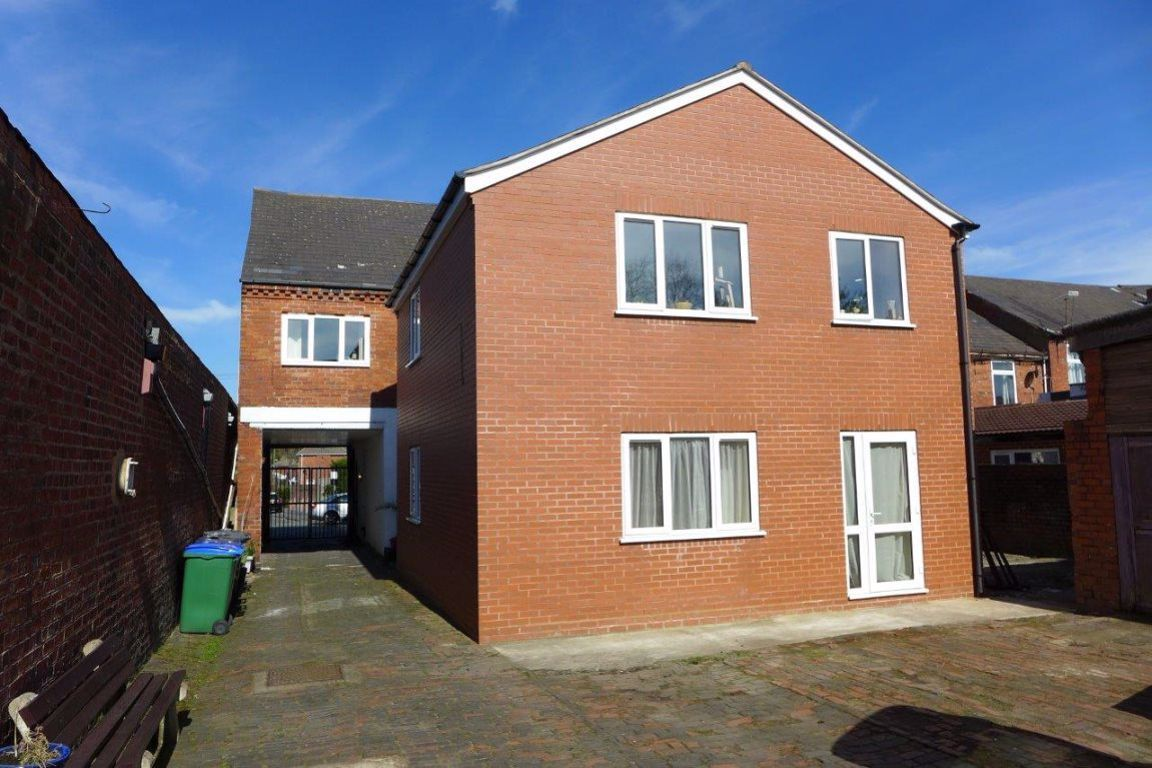 1 bed  to rent in 59 High Street, B65
