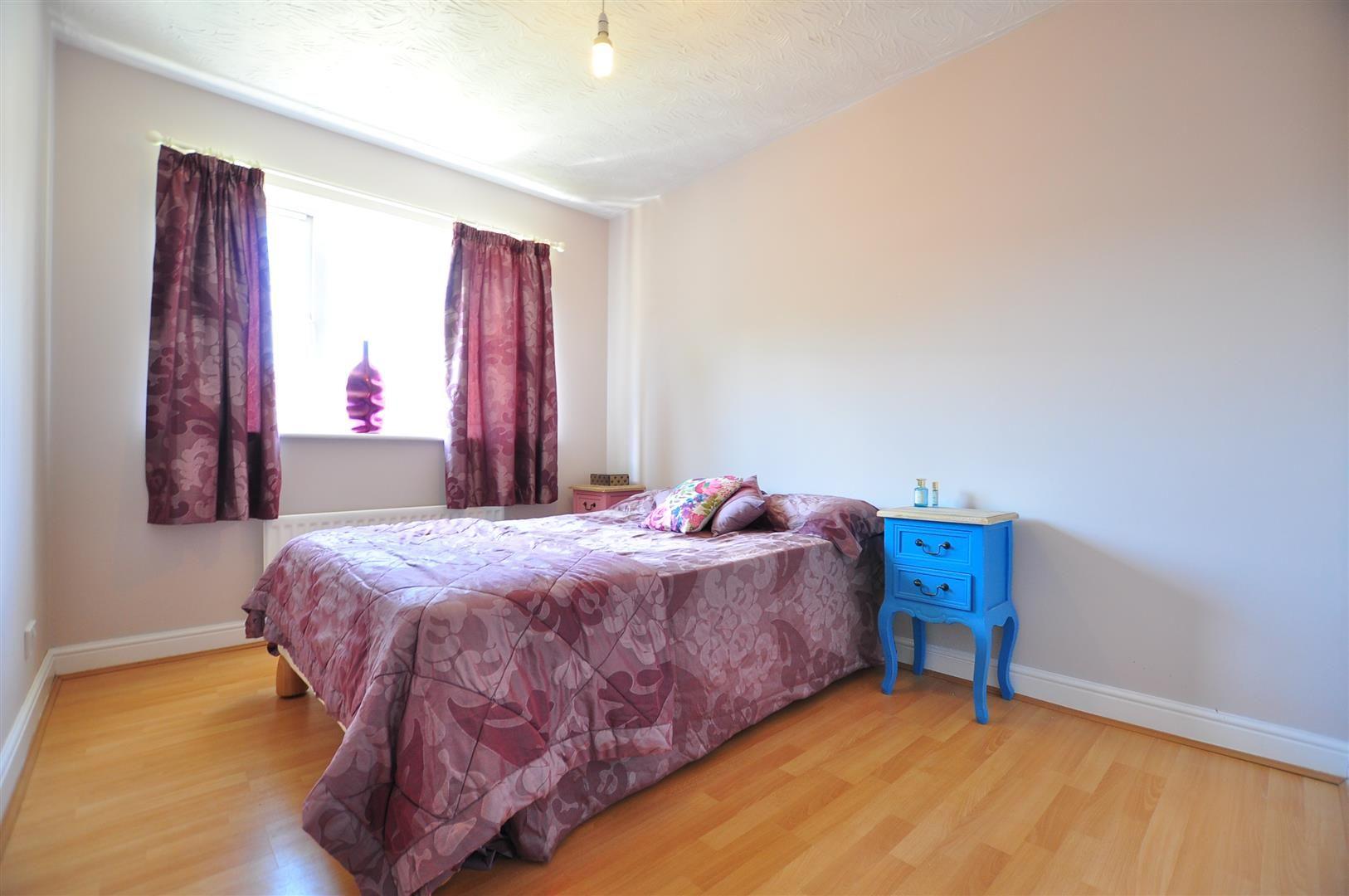 4 bed detached for sale  - Property Image 12