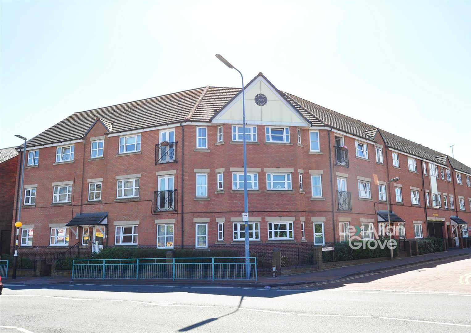 2 bed flat for sale 1