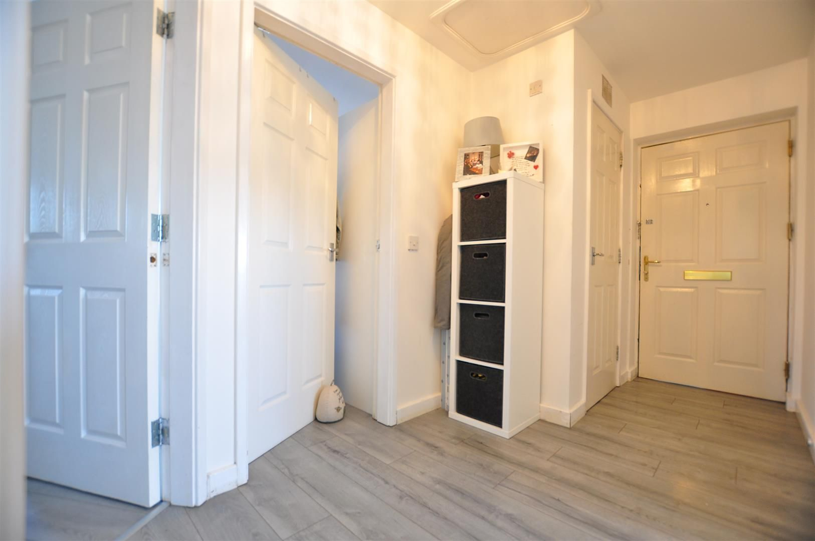 2 bed flat for sale 9
