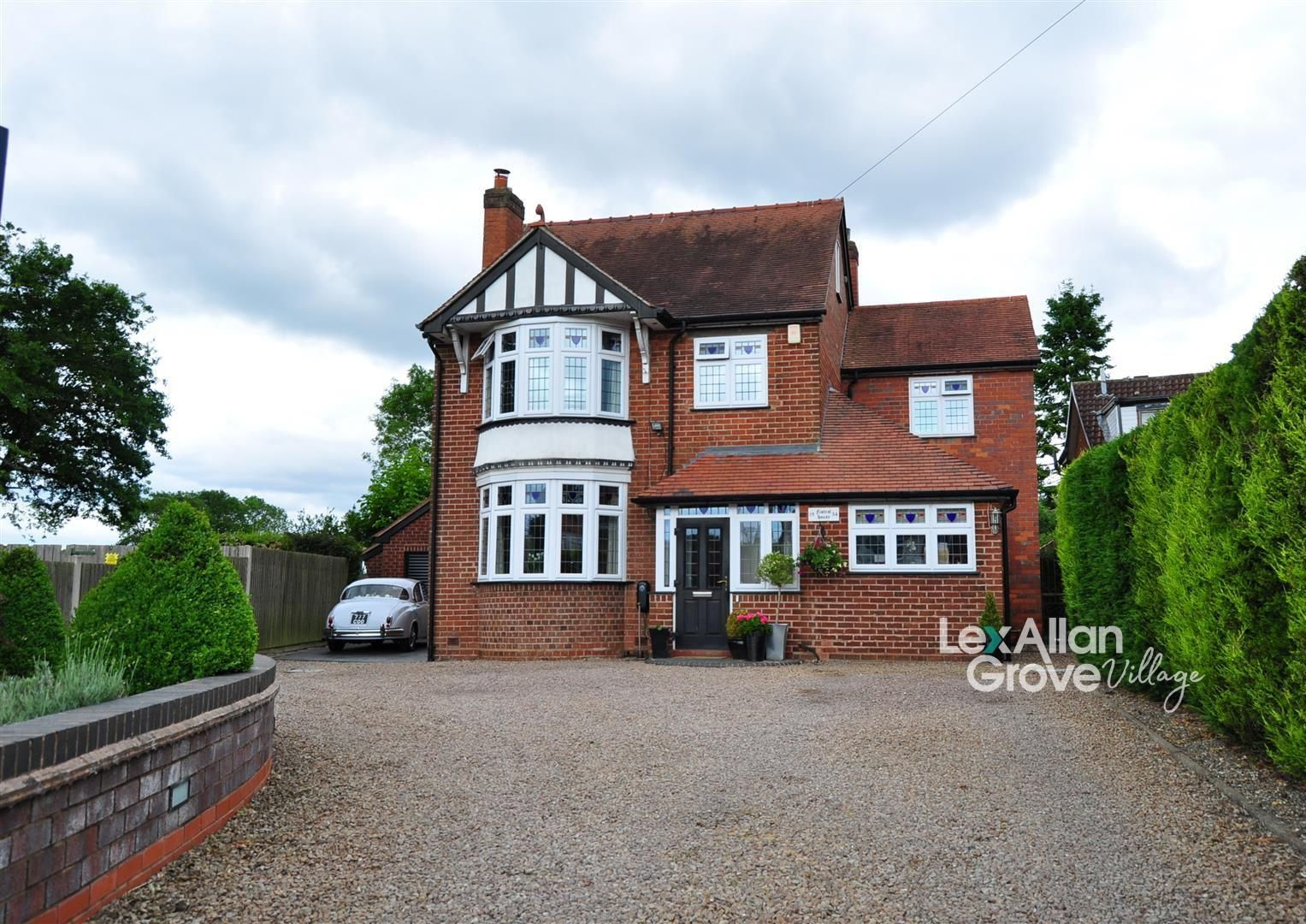 4 bed detached for sale in Hunnington, B62