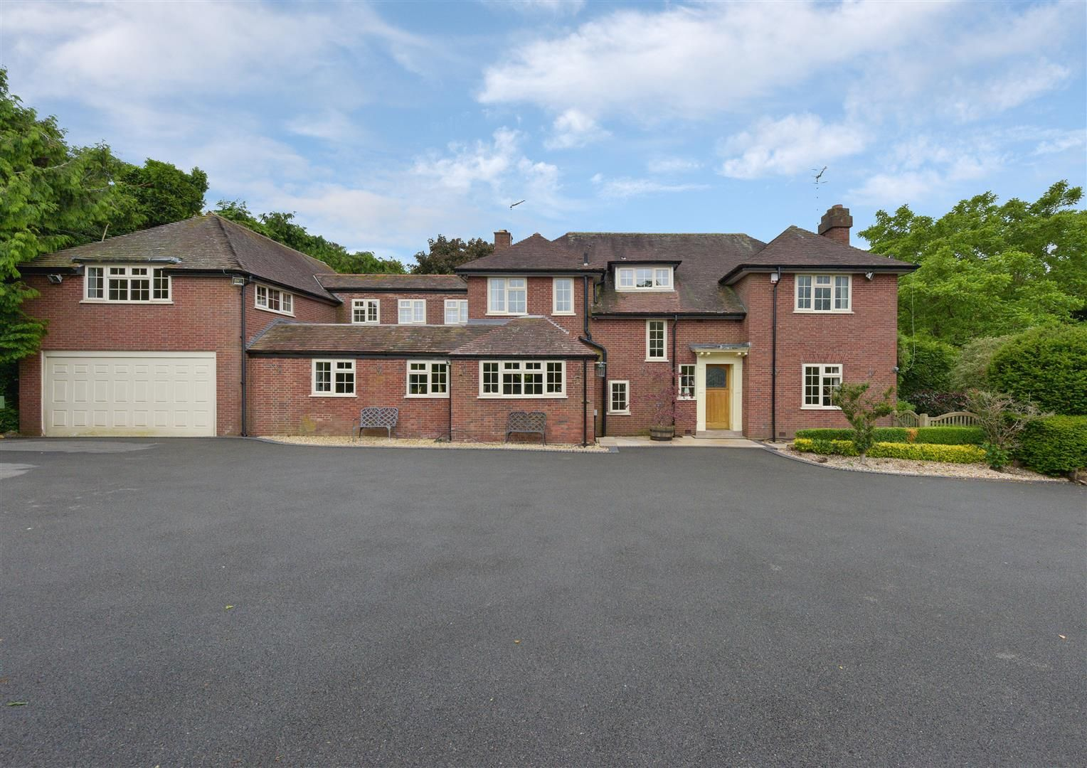 5 bed detached for sale  - Property Image 3