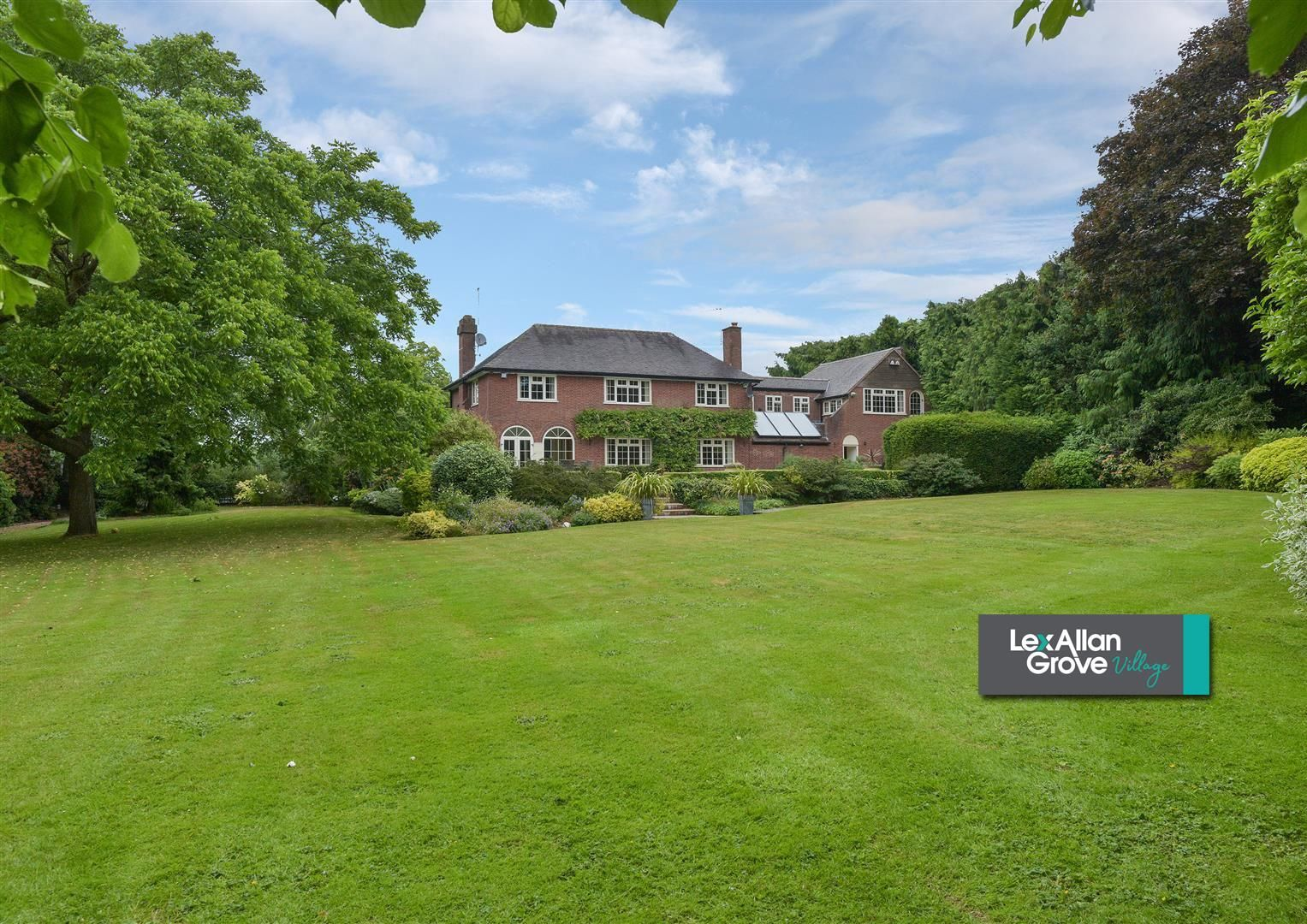 5 bed detached for sale  - Property Image 34
