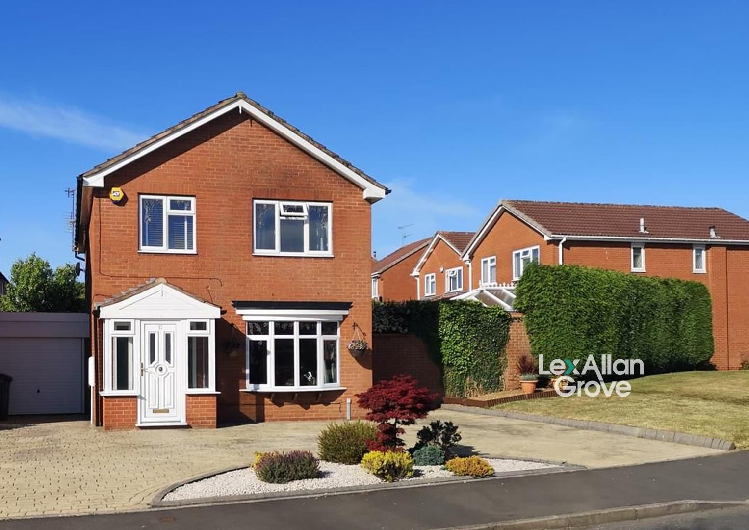 4 bed detached for sale, B62