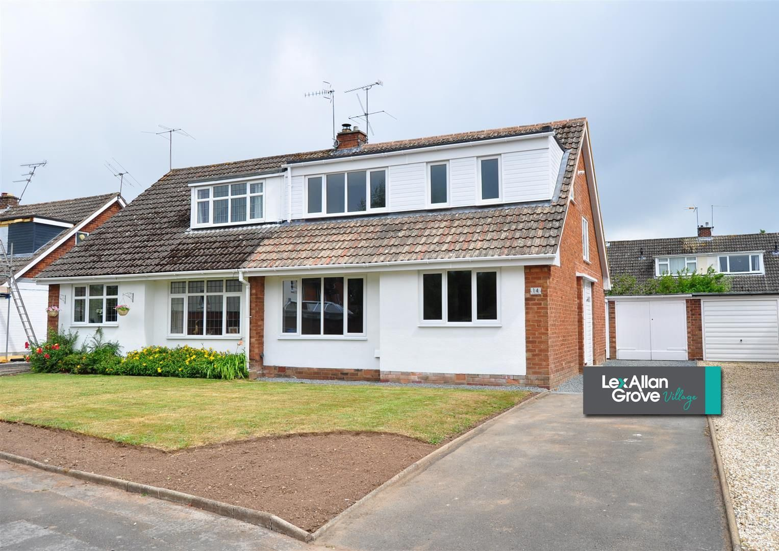 3 bed semi-detached-bungalow for sale in Hagley, DY9