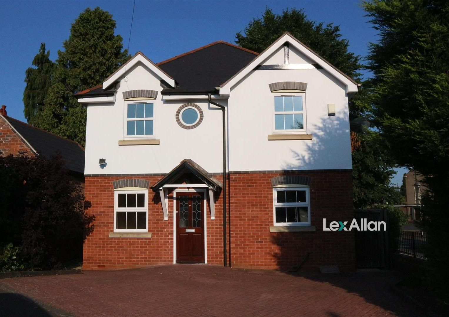 4 bed detached for sale in Kinver 1