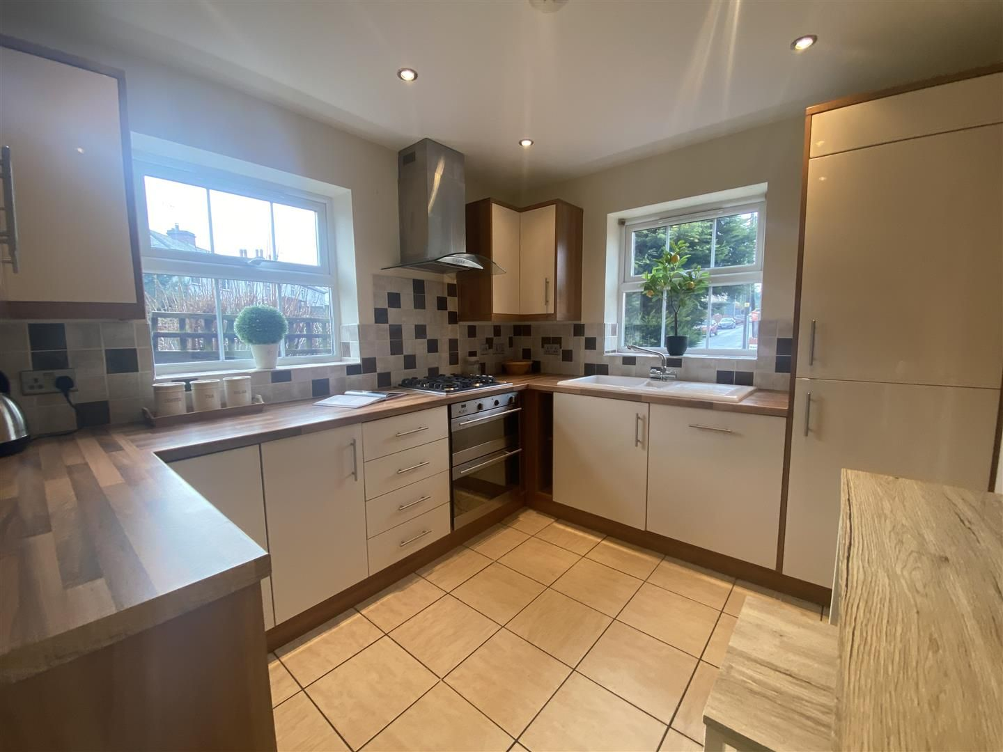 4 bed detached for sale in Kinver 9
