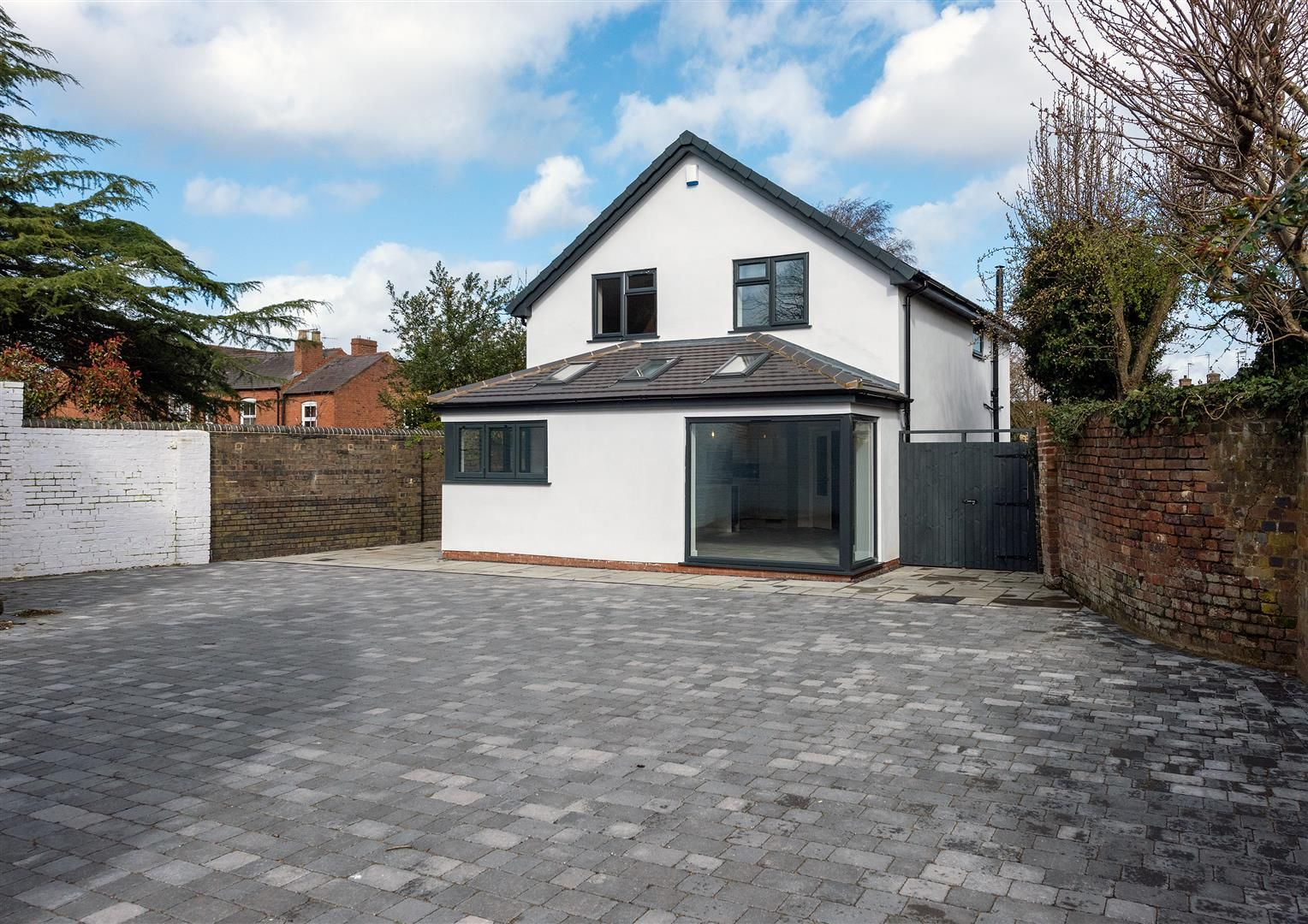 4 bed detached for sale 33