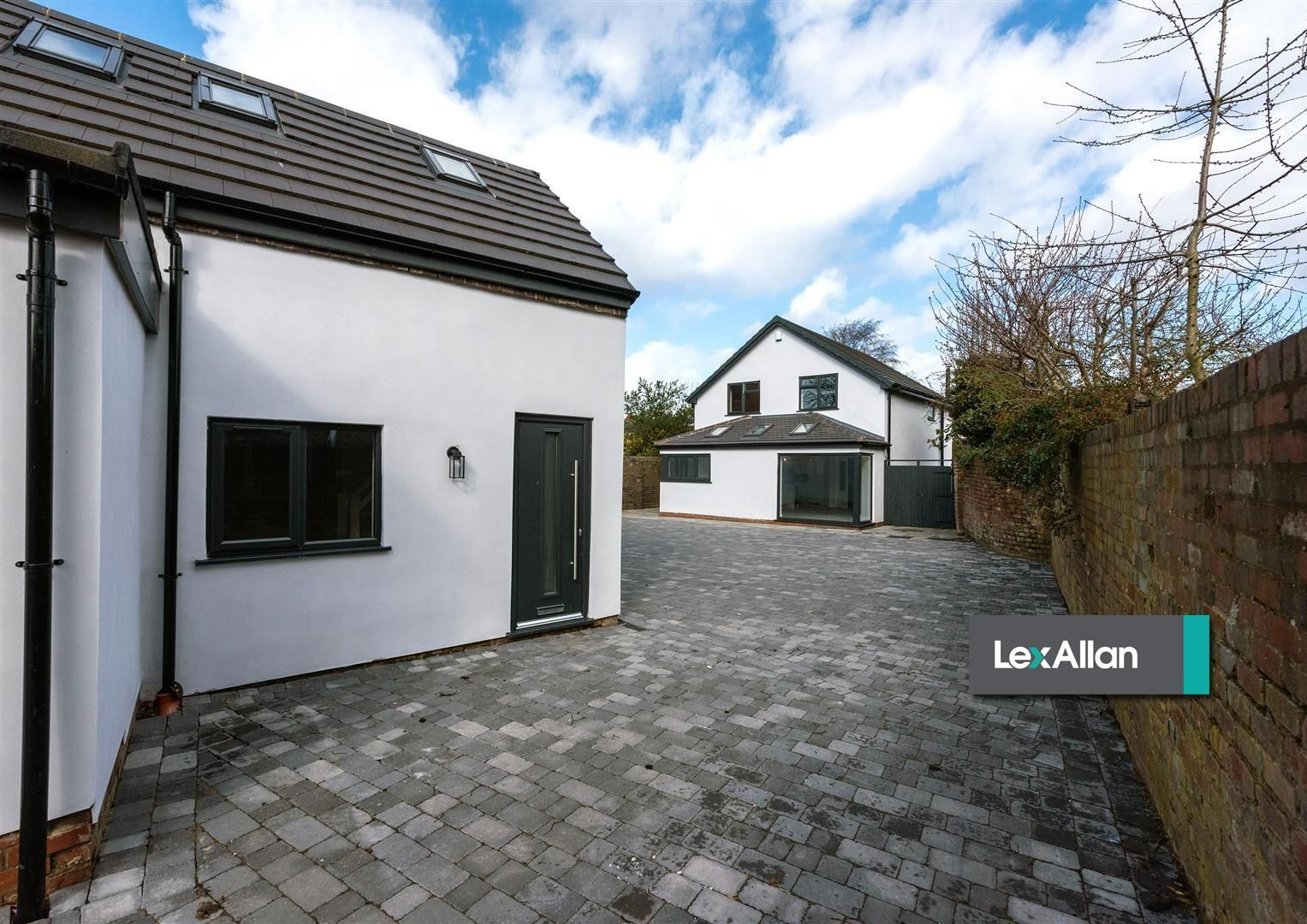 4 bed detached for sale 36