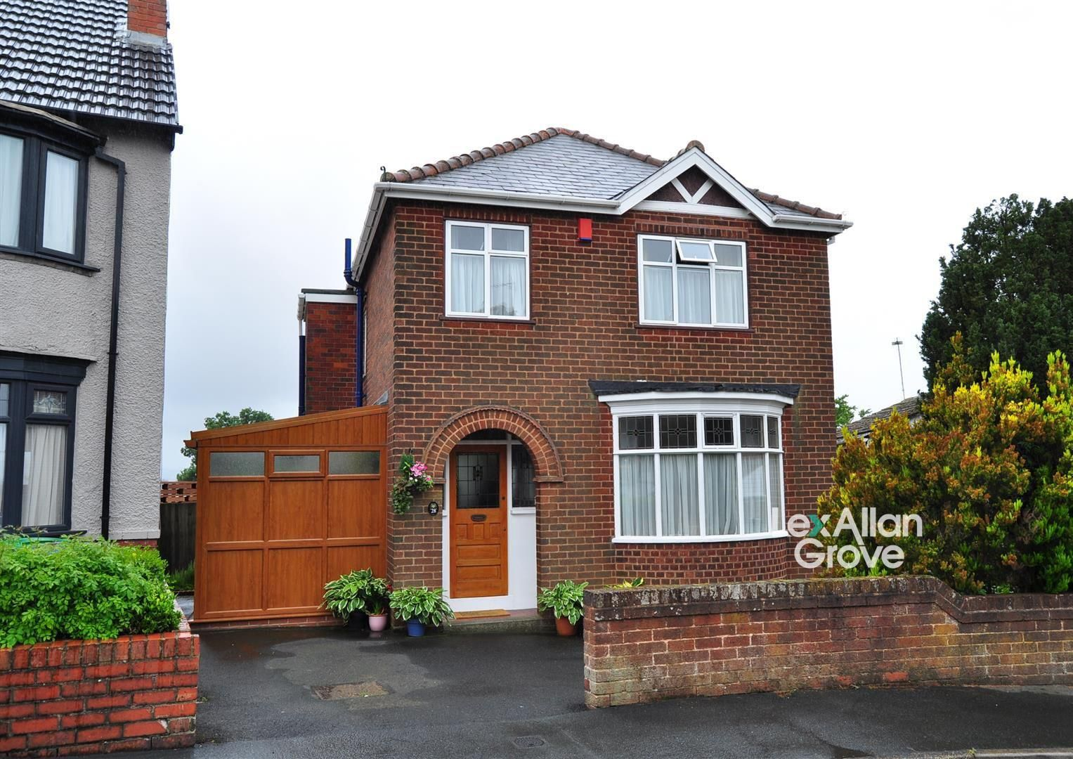 3 bed detached for sale 1
