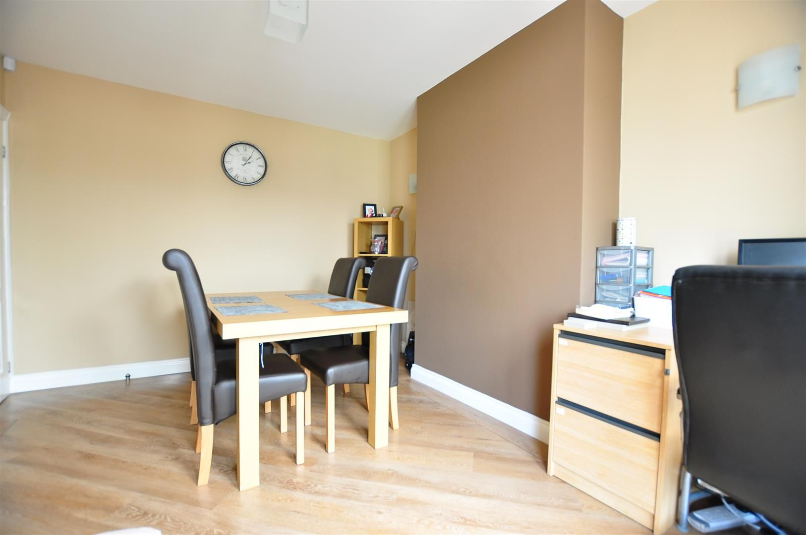 3 bed semi-detached for sale 5