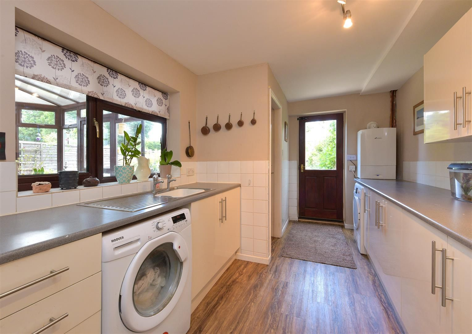 5 bed semi-detached for sale 11