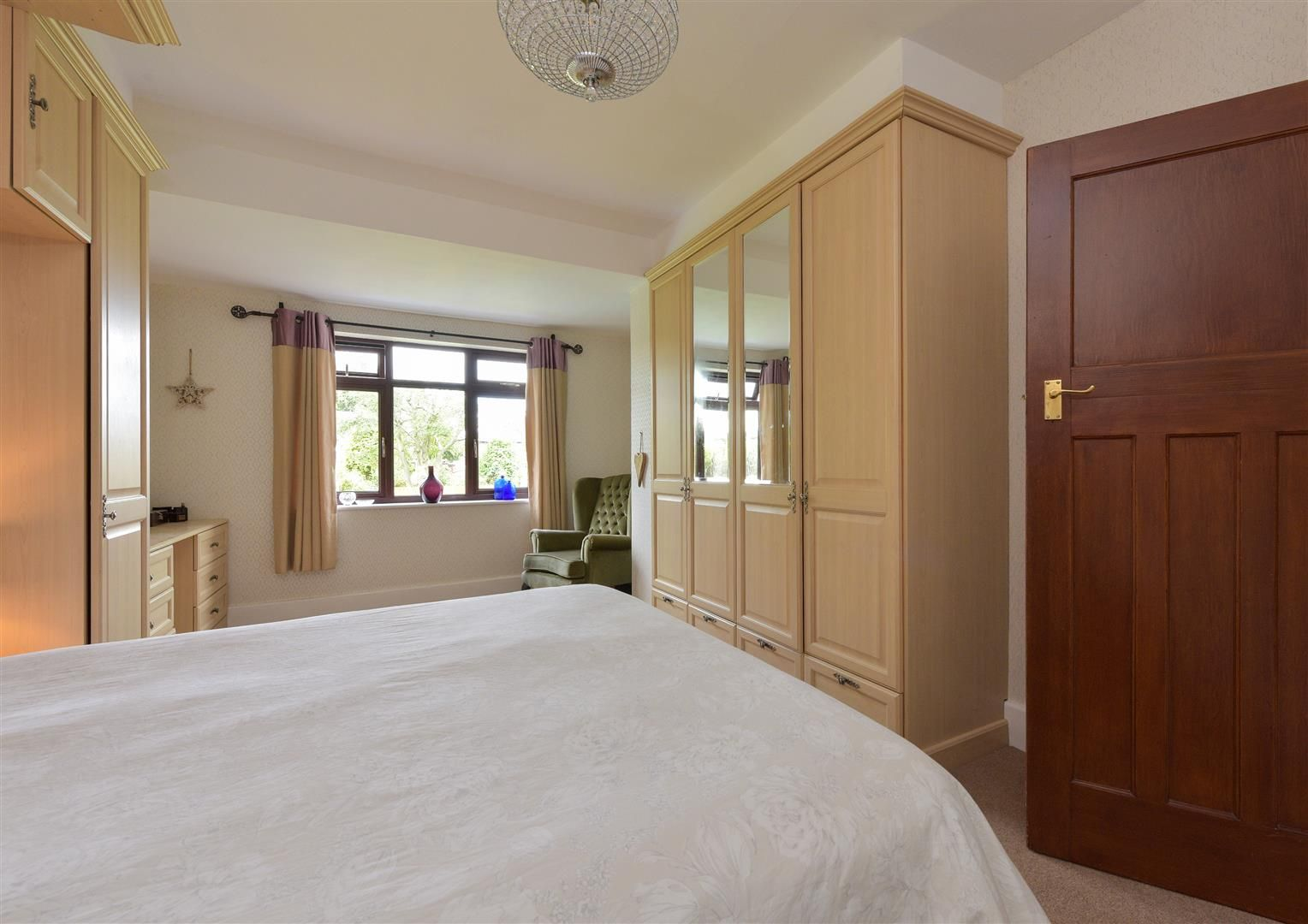 5 bed semi-detached for sale  - Property Image 13