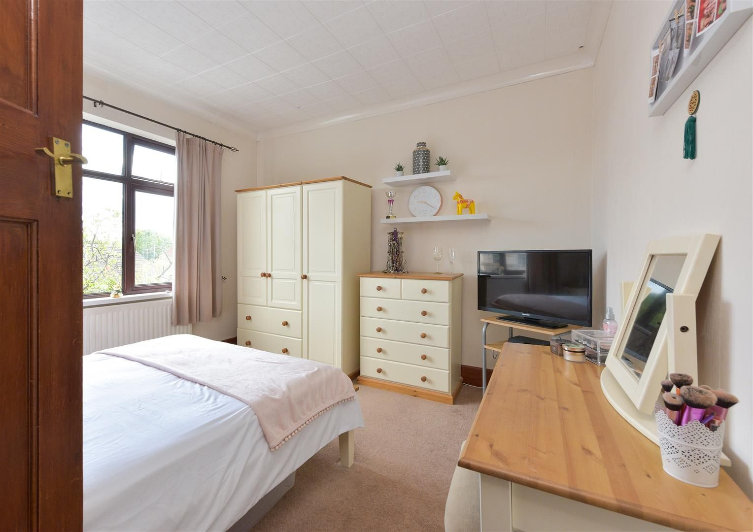 5 bed semi-detached for sale  - Property Image 15