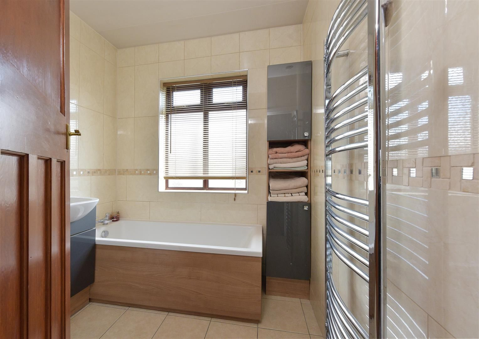 5 bed semi-detached for sale  - Property Image 17