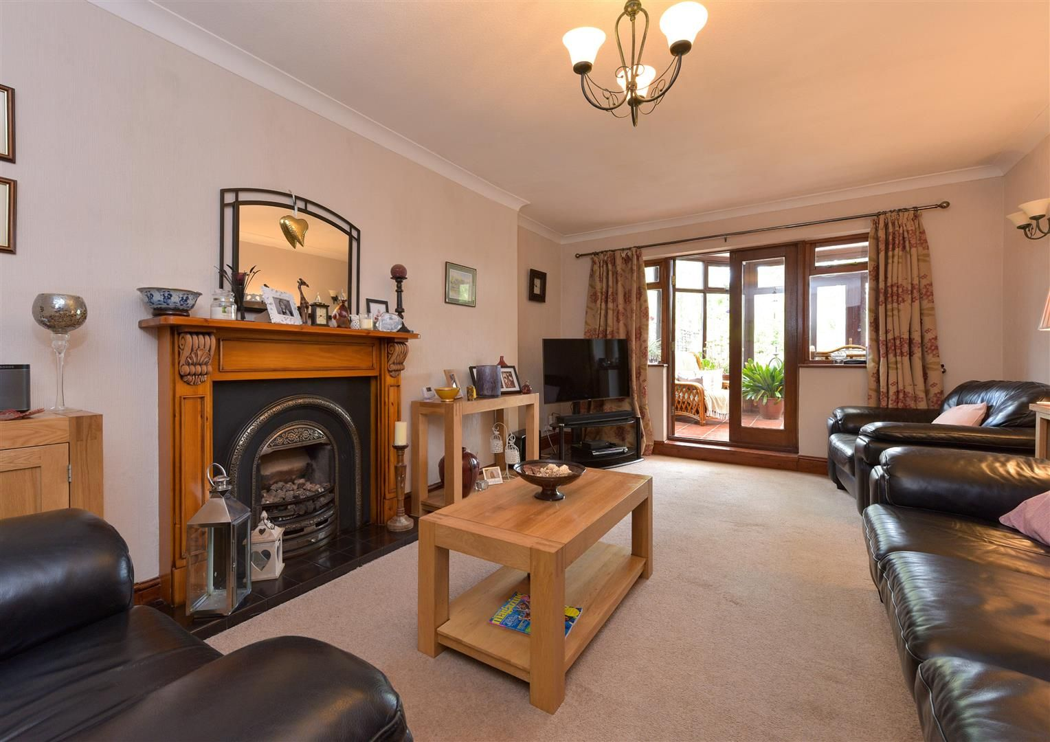 5 bed semi-detached for sale  - Property Image 6