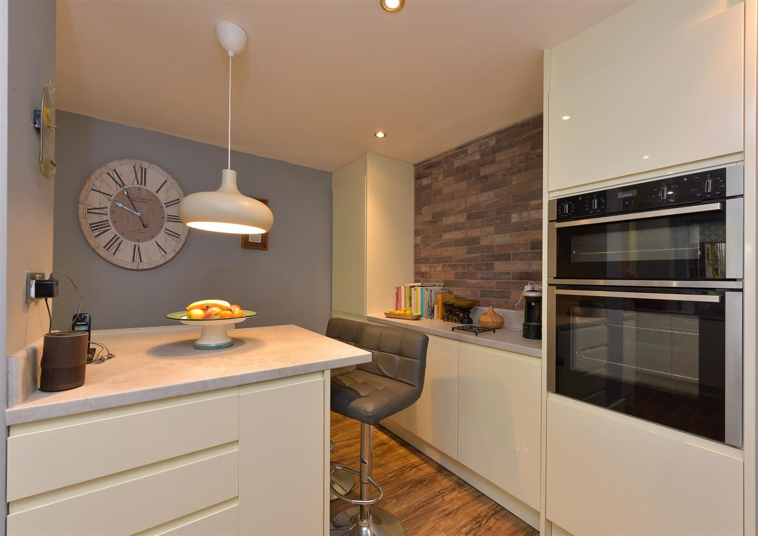 5 bed semi-detached for sale  - Property Image 7
