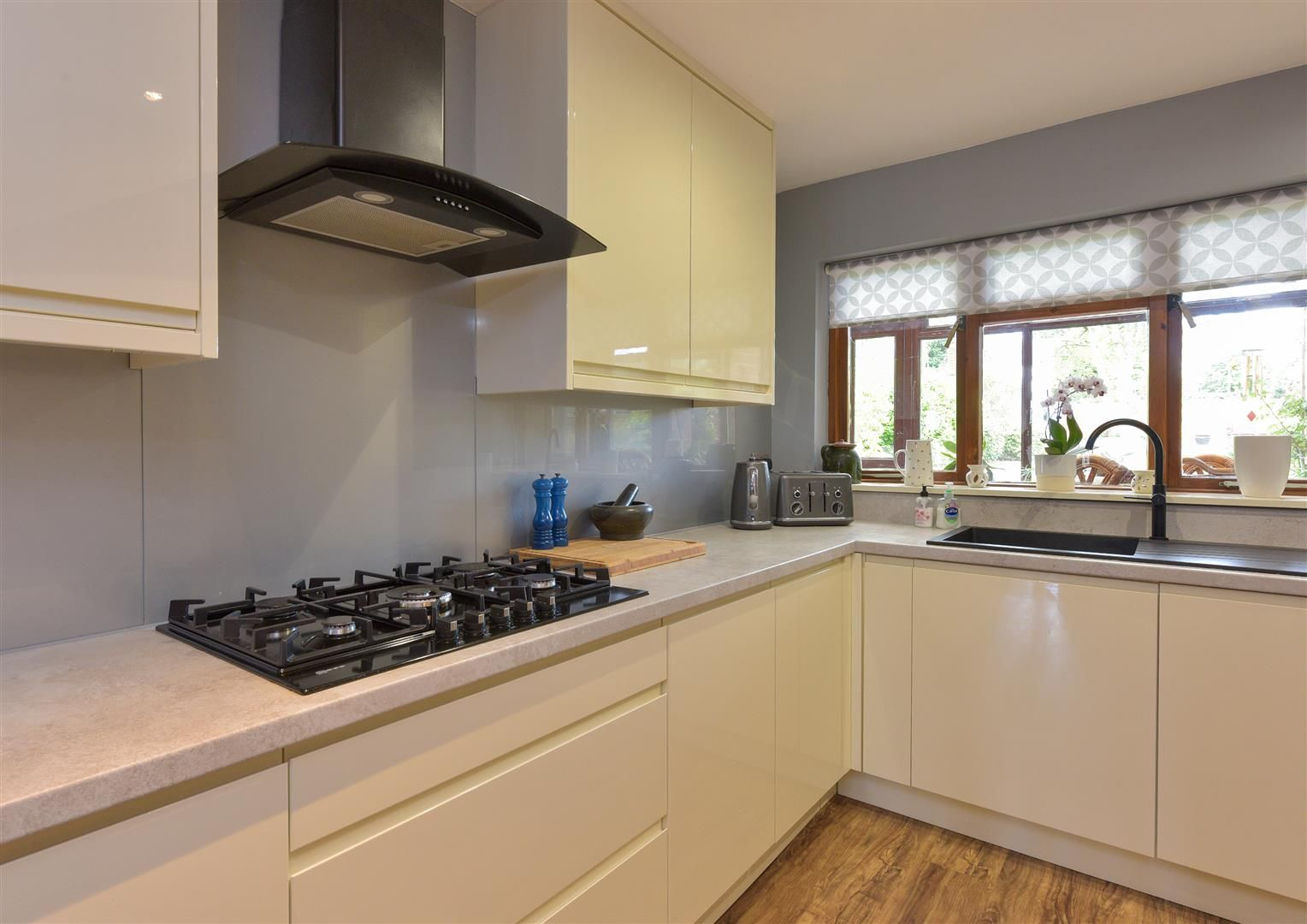 5 bed semi-detached for sale  - Property Image 8